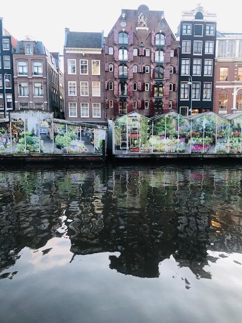 שוק הפרחים הצף אמסטרדם